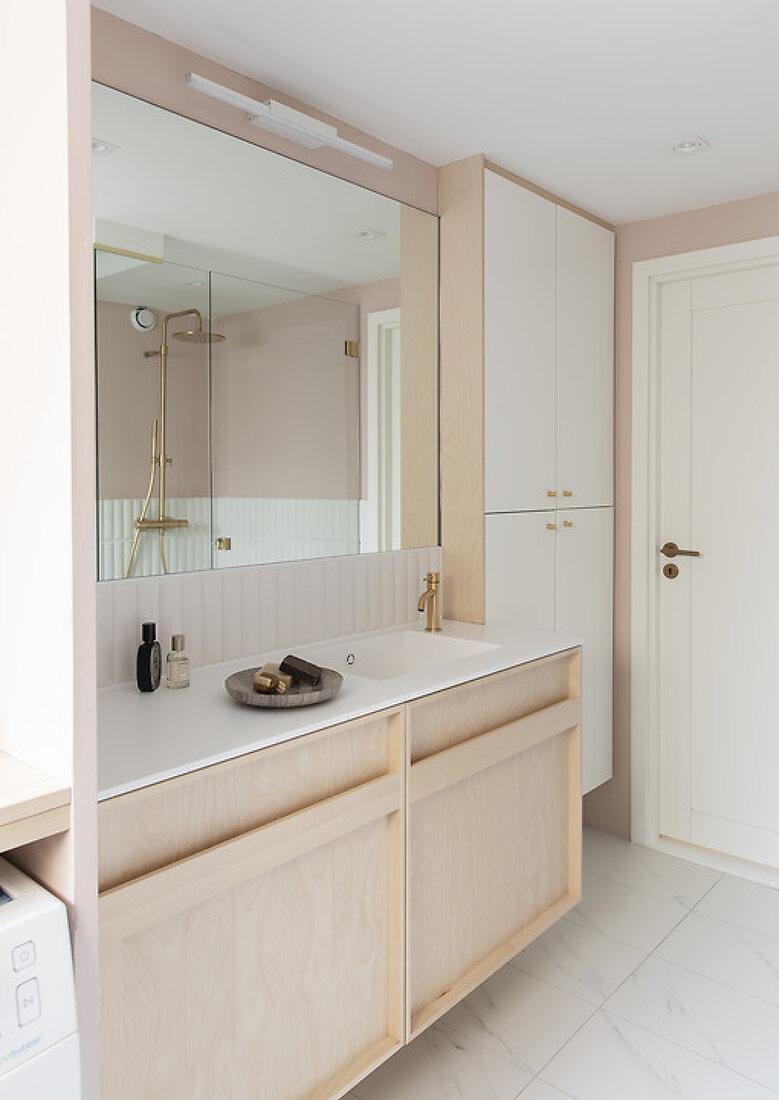 The organized bathroom in douce tones