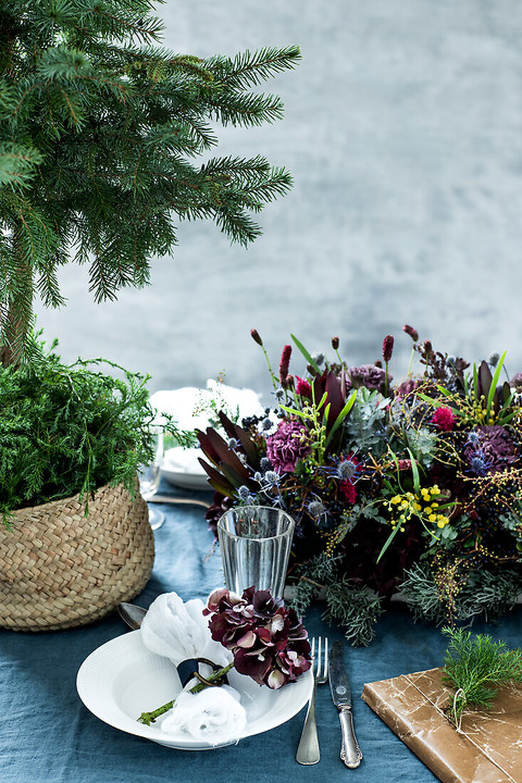 A Floral and Poetic Christmas Table