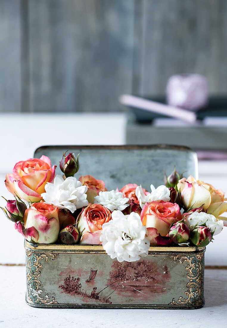 Decorate with Roses in January
