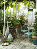 Vintage Garden Room