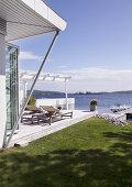 Modern Seaside Cottage
