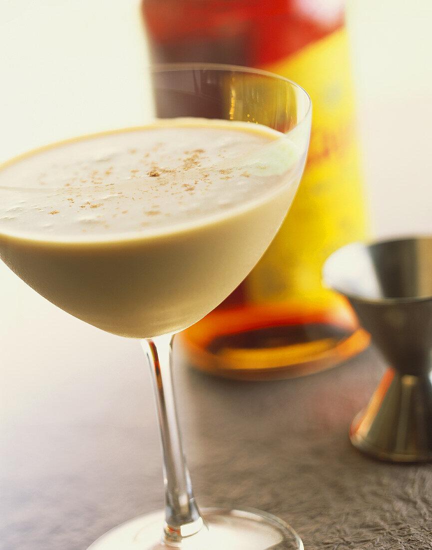 Brandy Alexander: cocktail made with brandy, cocoa liqueur & cream