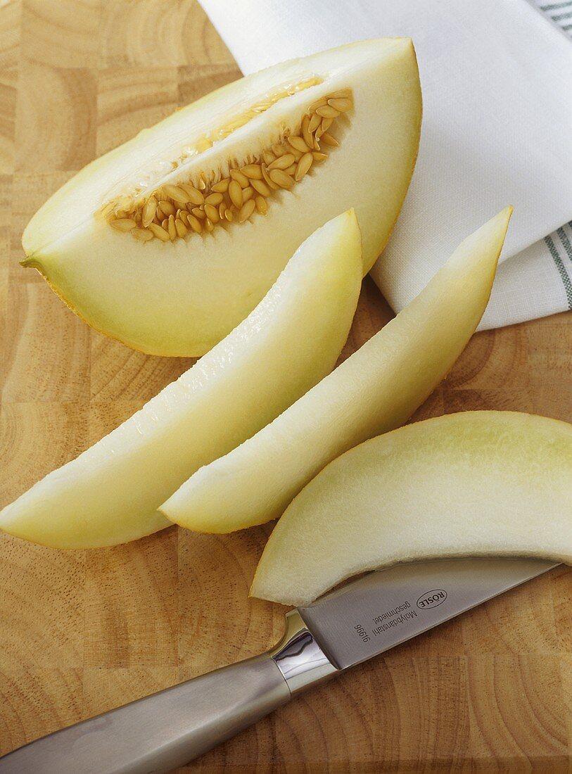 Slicing a Galia melon