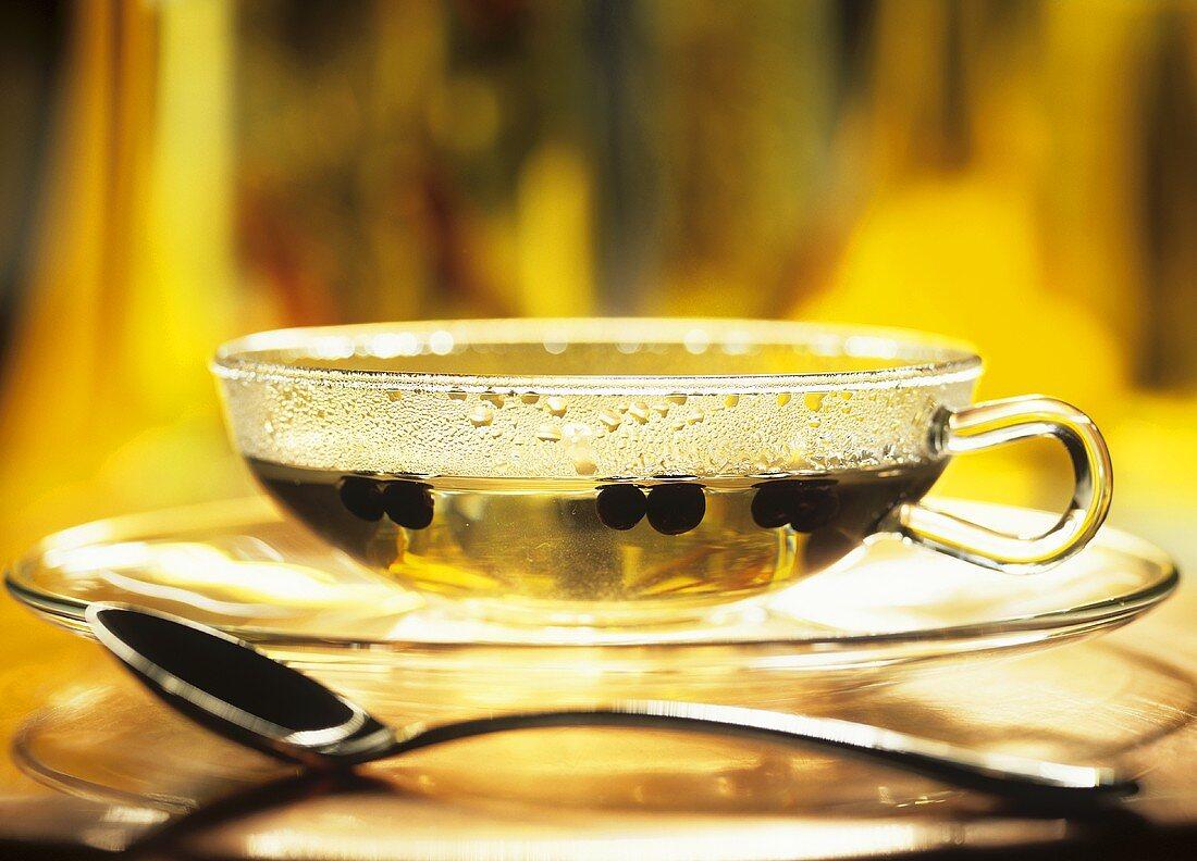 Juniper tea to combat gastro-intestinal problems and water retention