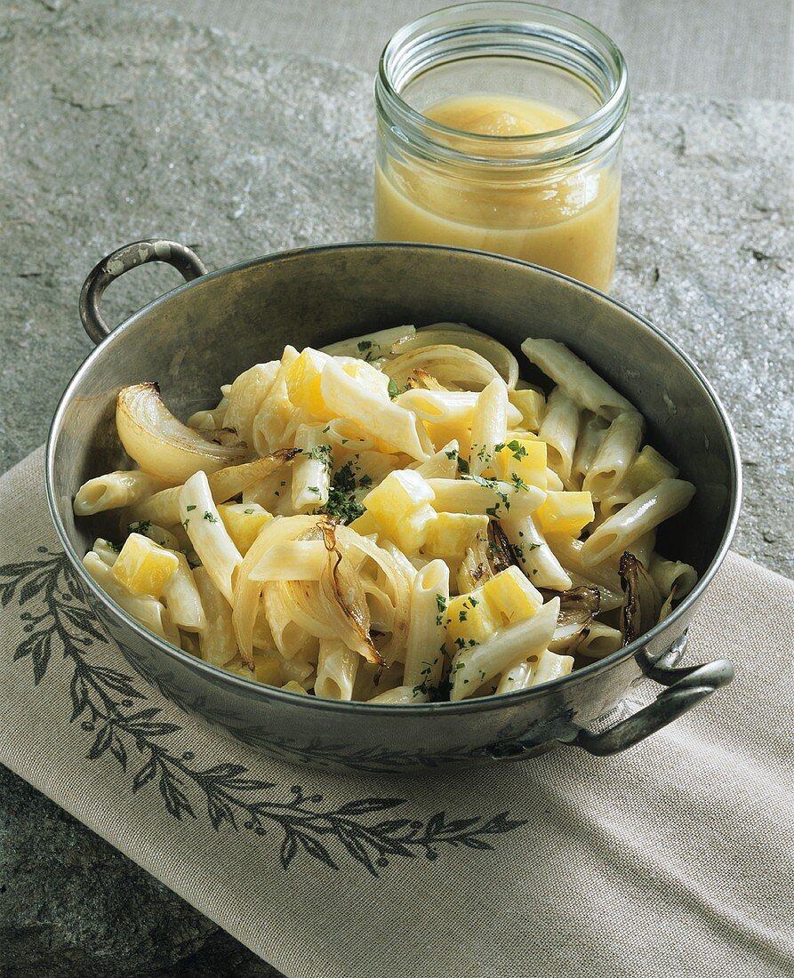 Älplermagronen (Pasta and potato dish, Switzerland)