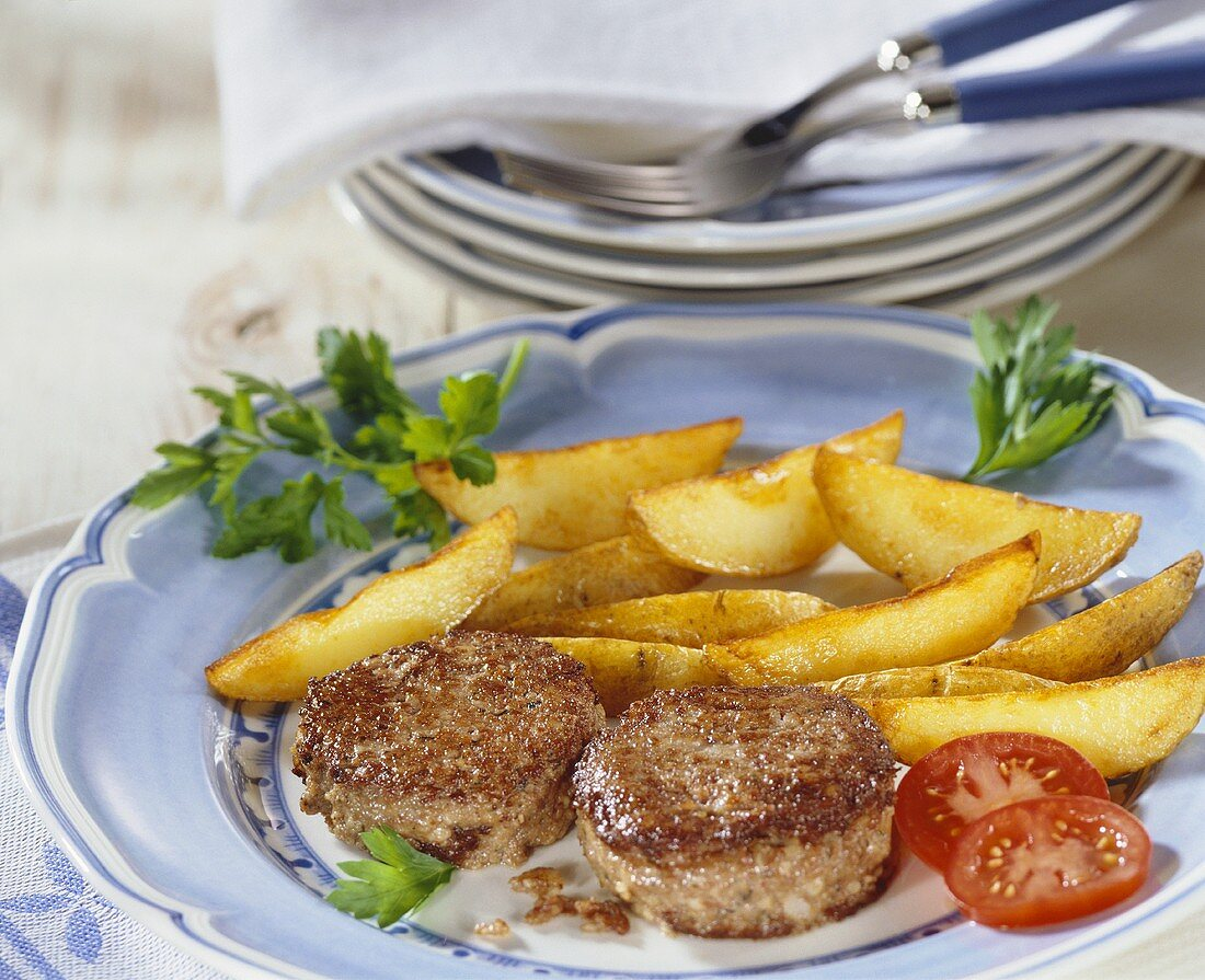 Fried Palatinate liver sausage with potato wedges