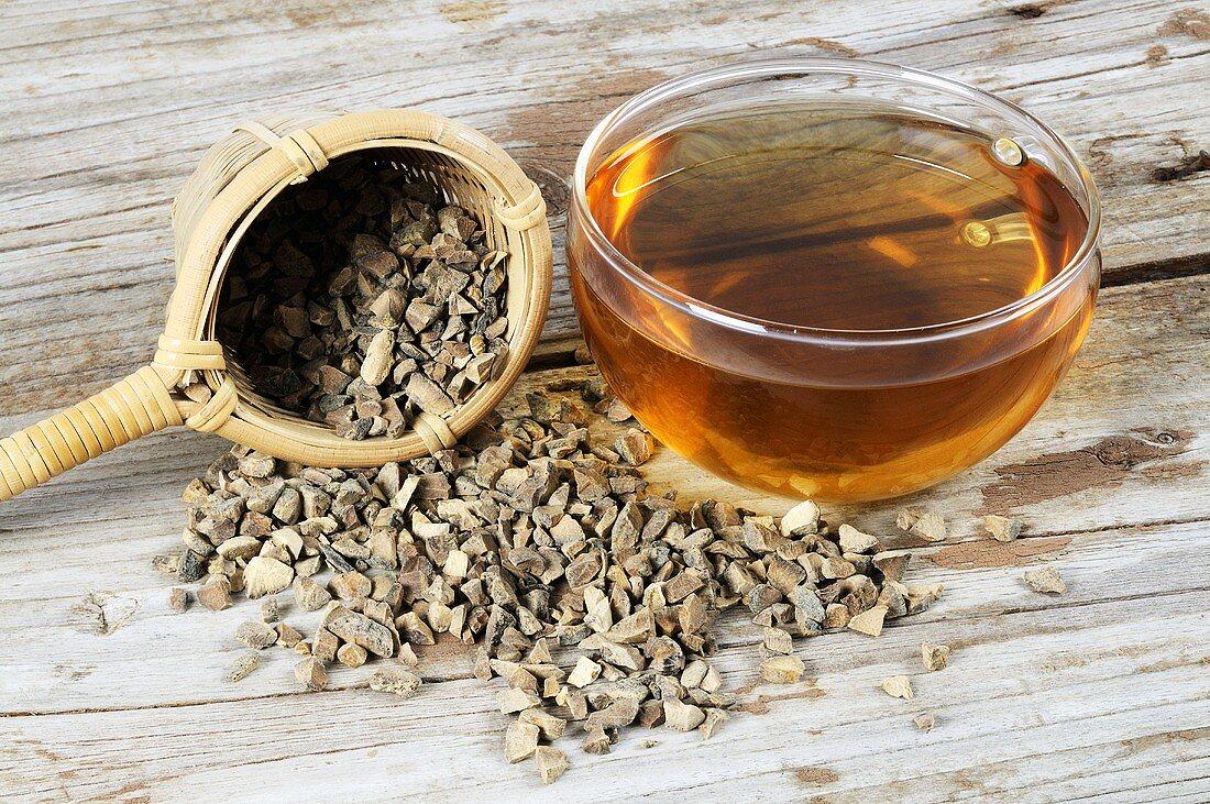 Tea with dried peel of the green Curaçao orange