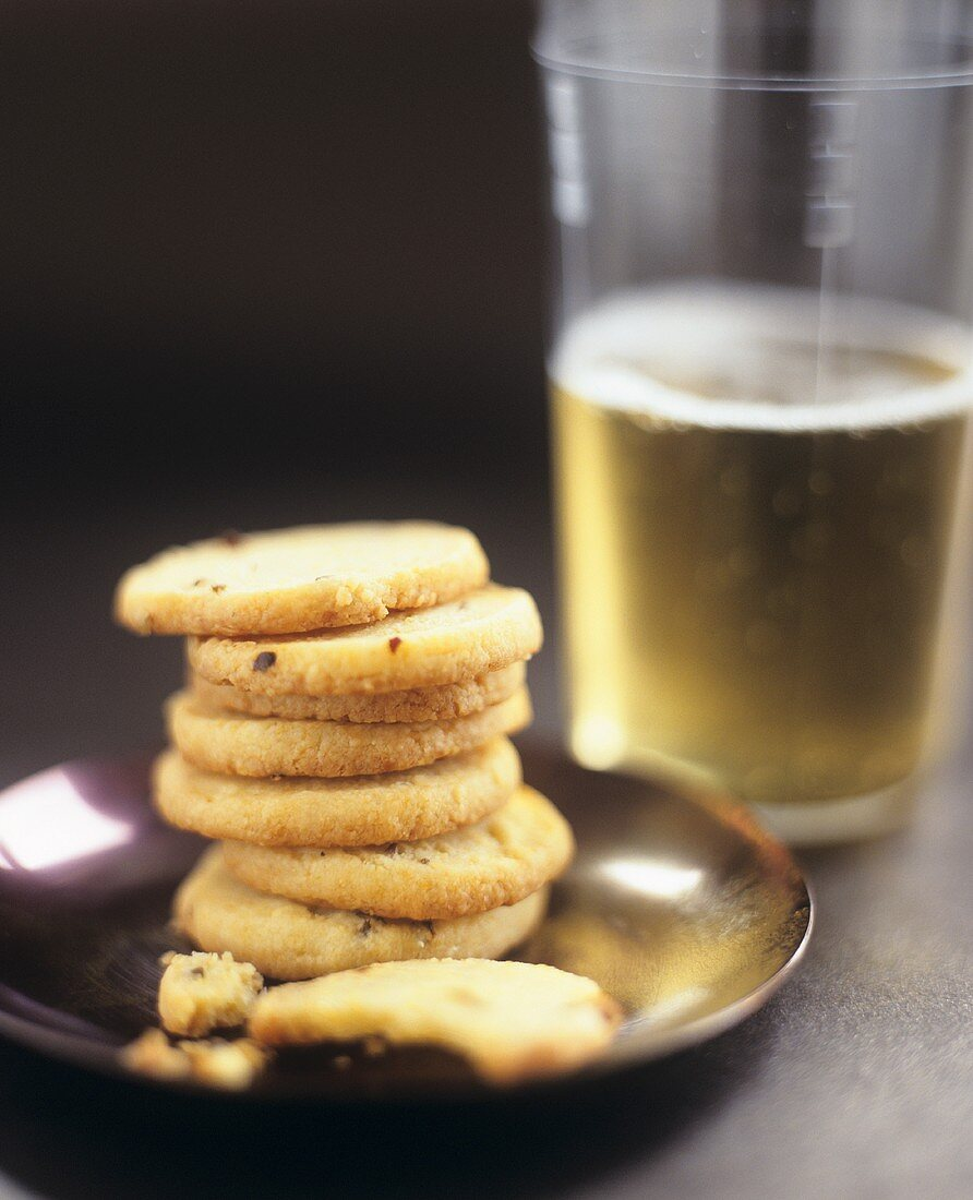 Cheddar cheese biscuits with beer