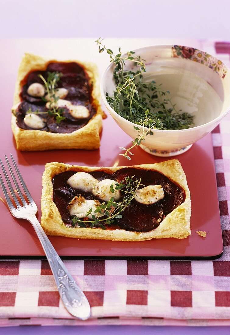 Beetroot and cheese puff pastry tarts