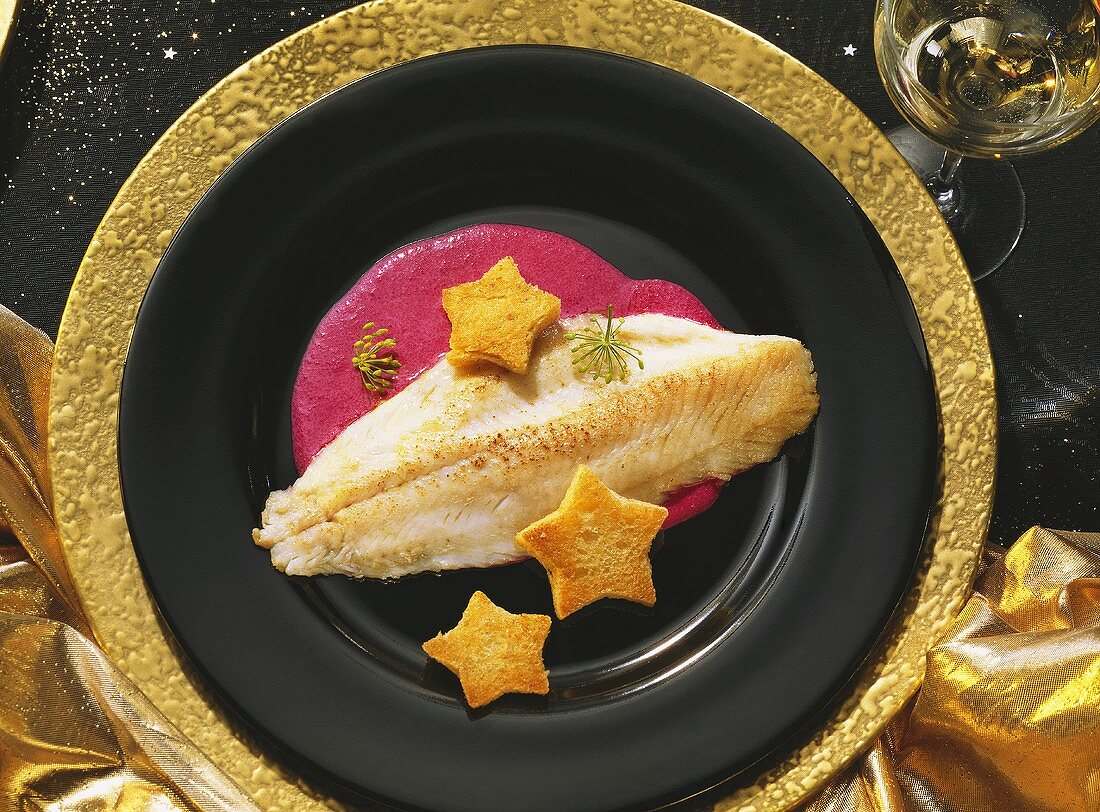 Pike-perch fillet on beetroot whip