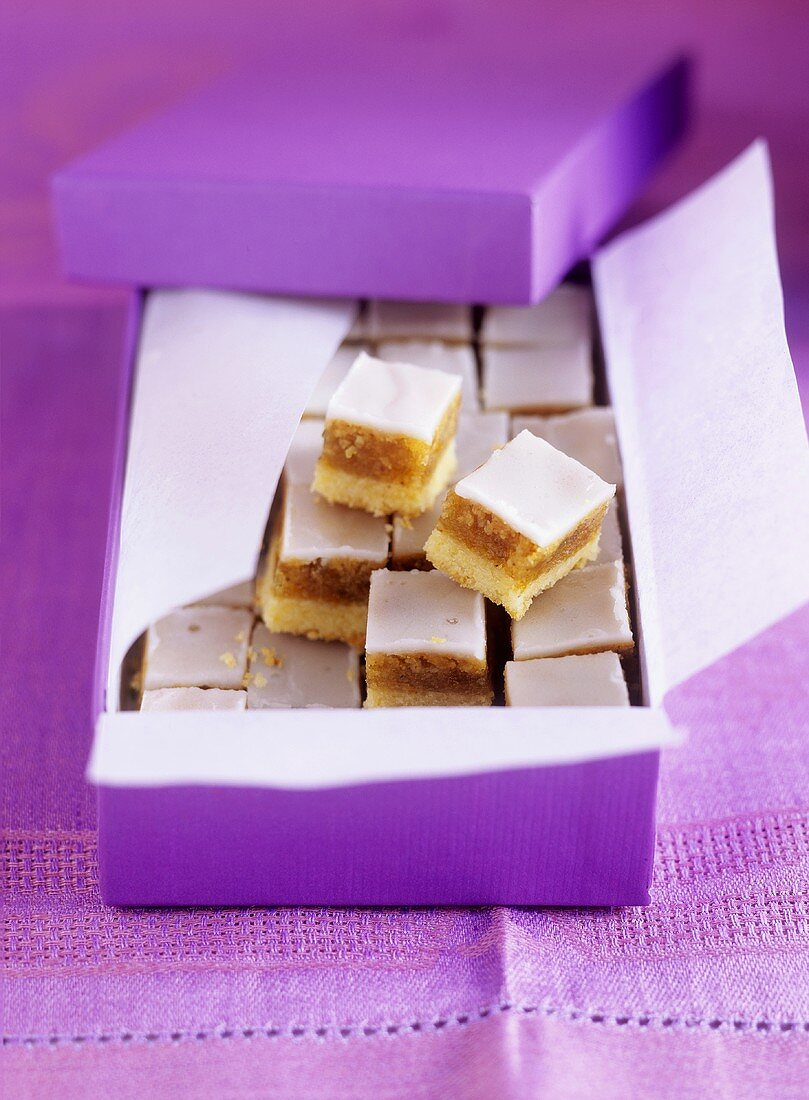 Walnut marzipan squares (Arab cuisine)