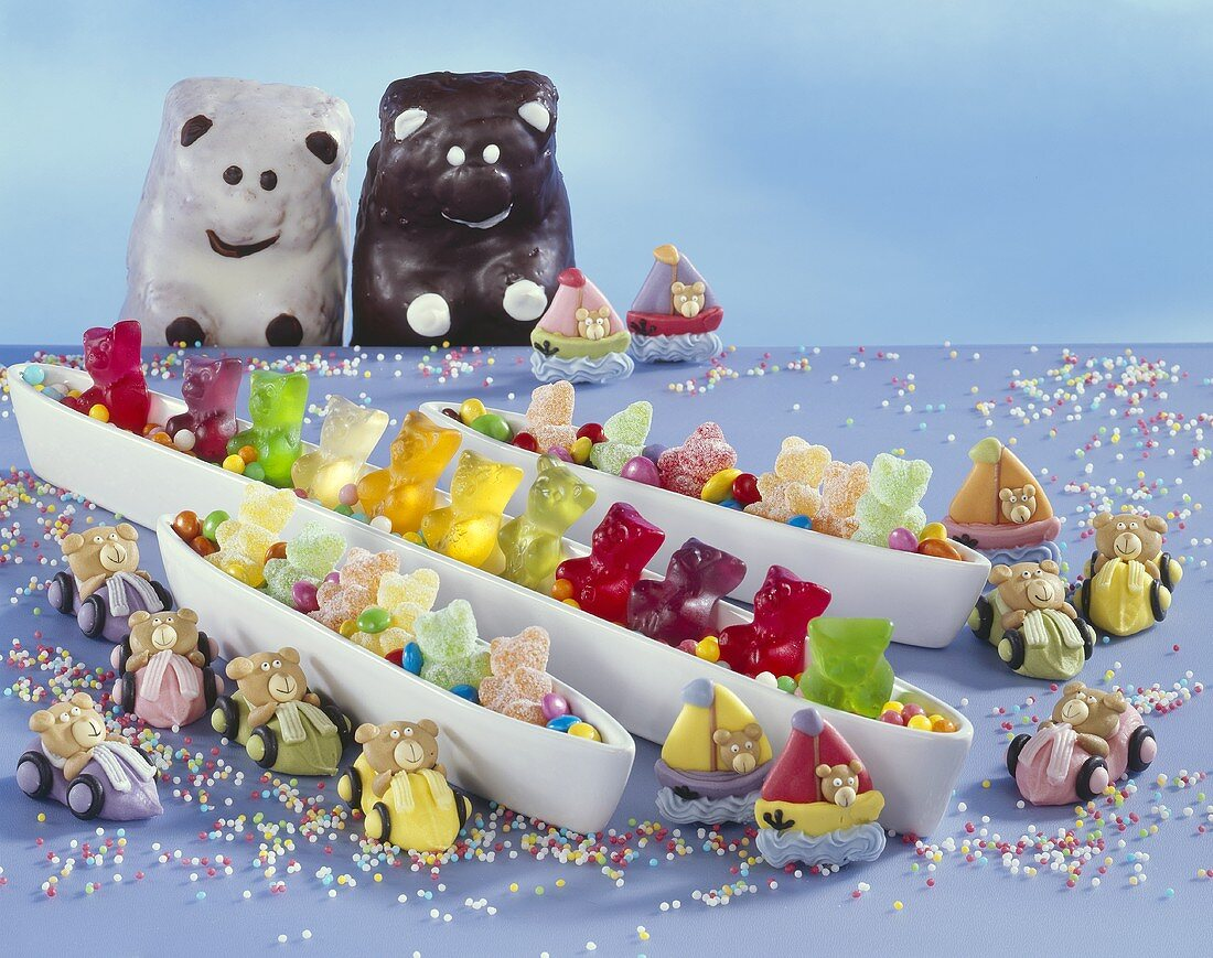 An assortment of bears (for decorating cakes)
