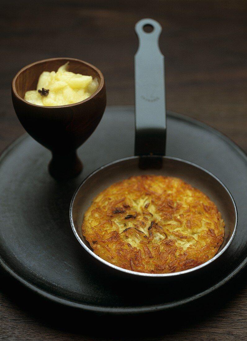 Potato rösti with apple compote