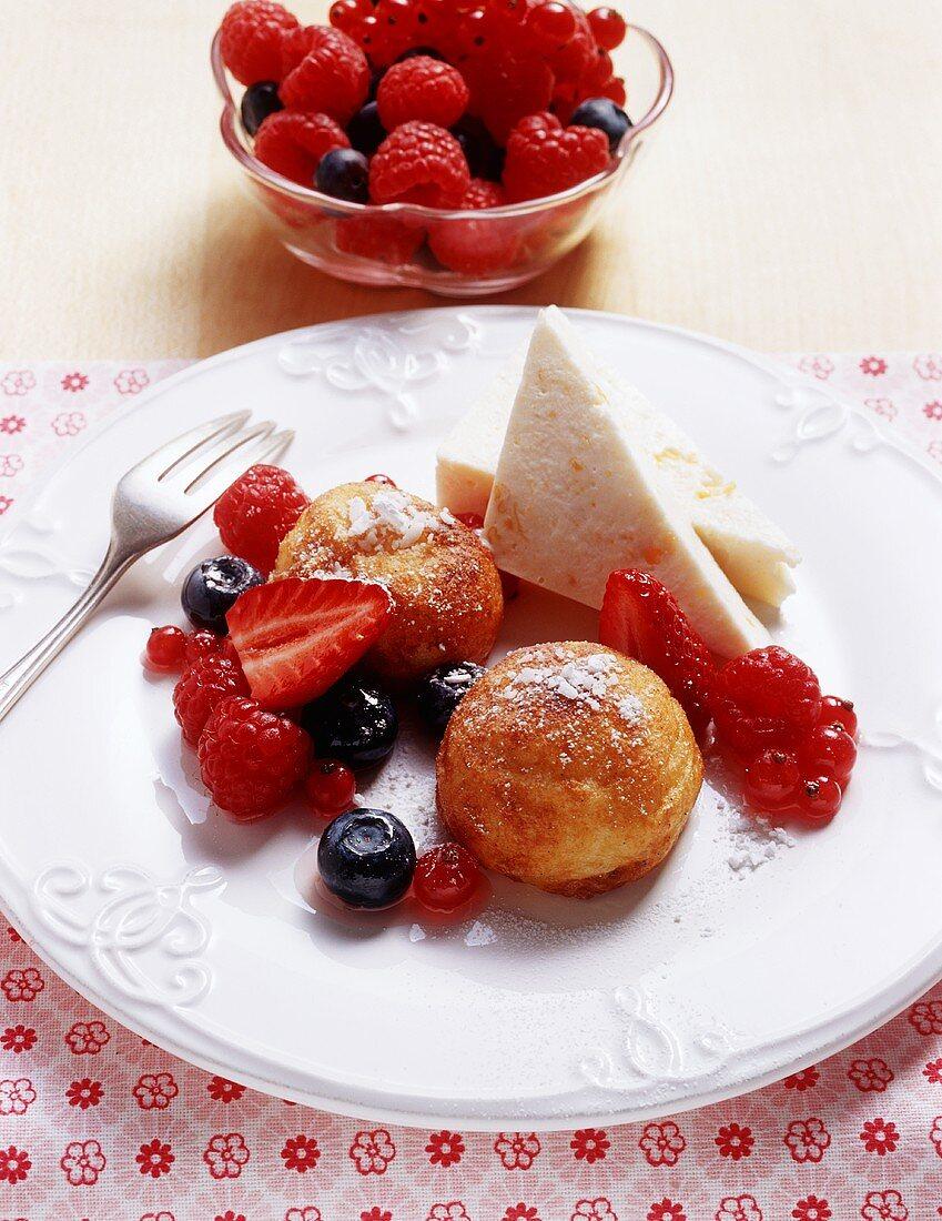 Baked semolina dumplings with berries and yogurt parfait