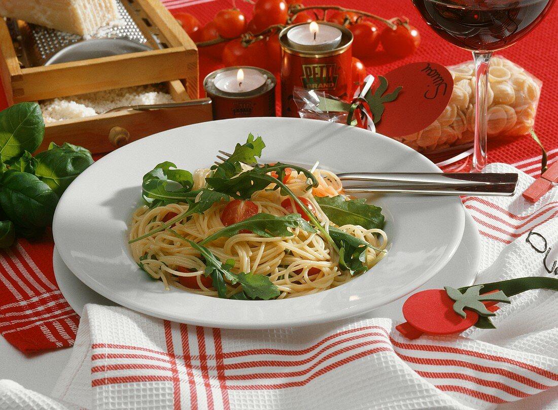 Spaghetti pomodoro e rucola (spaghetti with tomatoes and rocket)