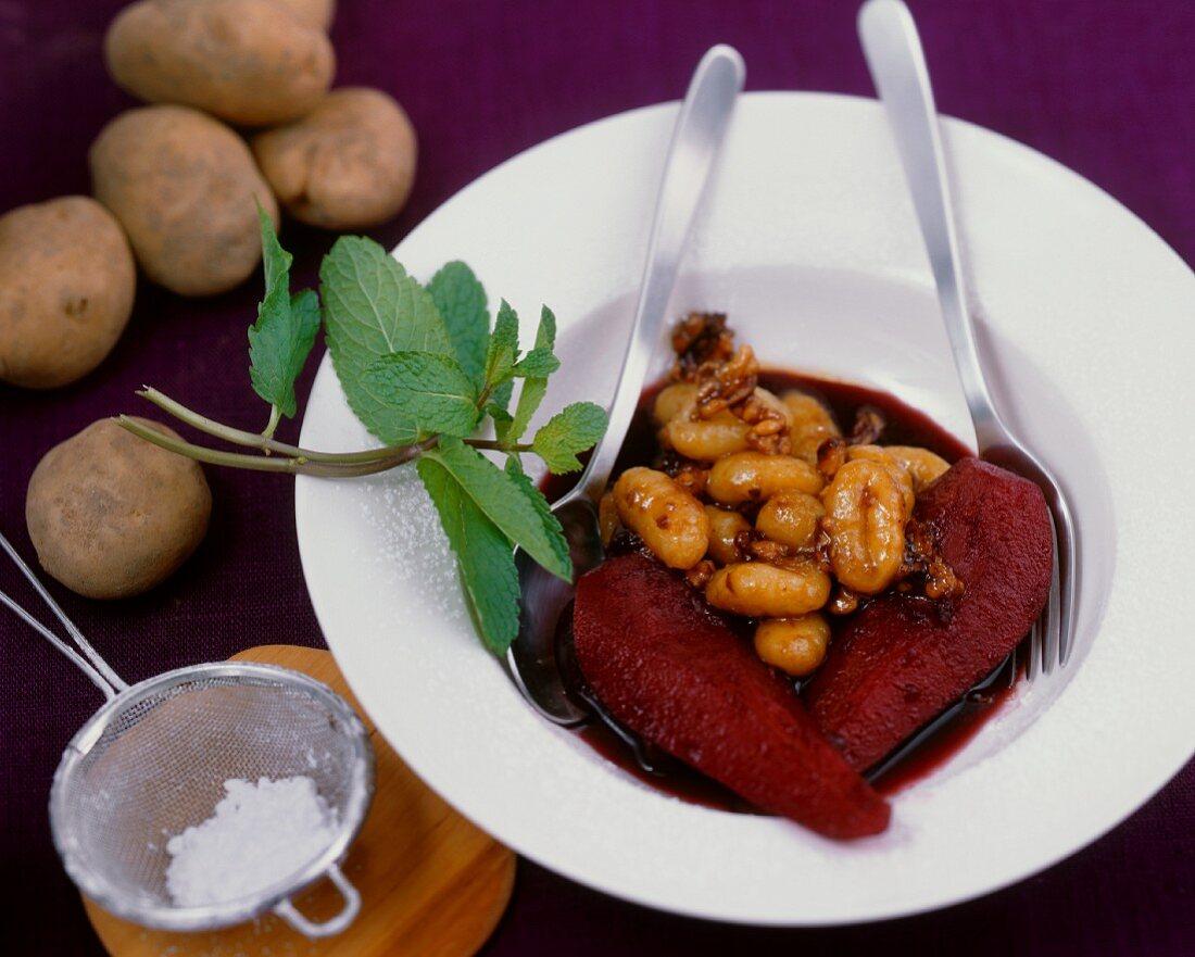 Süsse Kartoffel-Gnocci mit Birnen-Holunder-Kompott