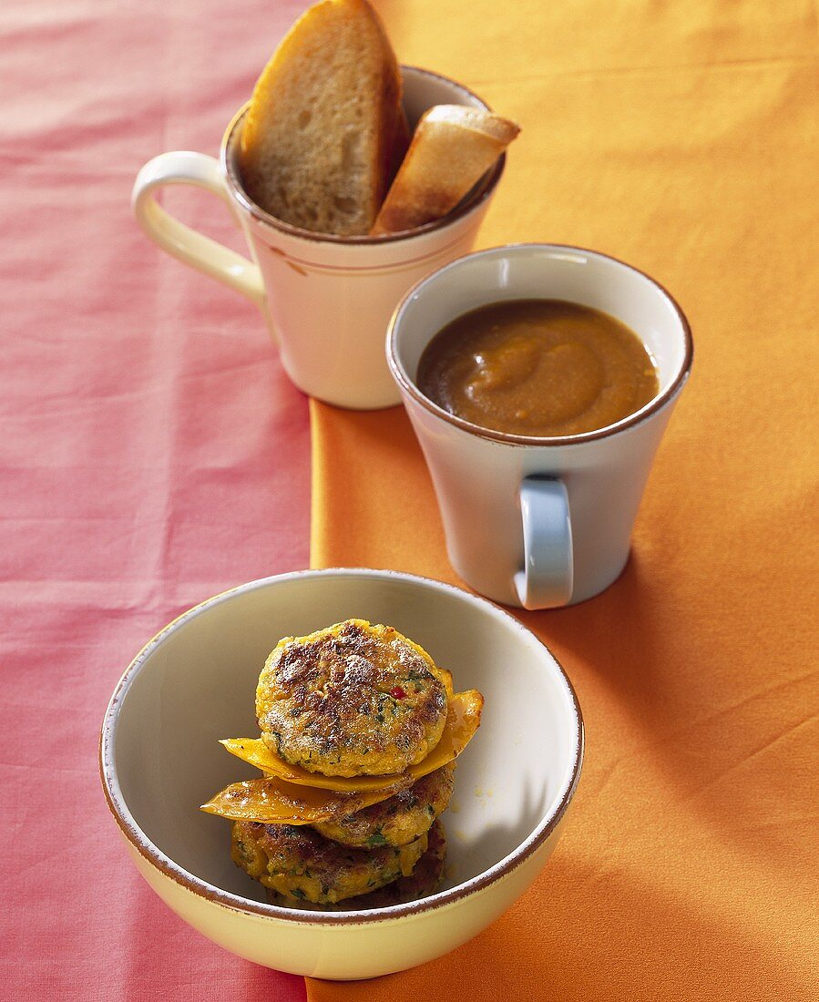 Vegetable burgers made with pumpkin and courgette