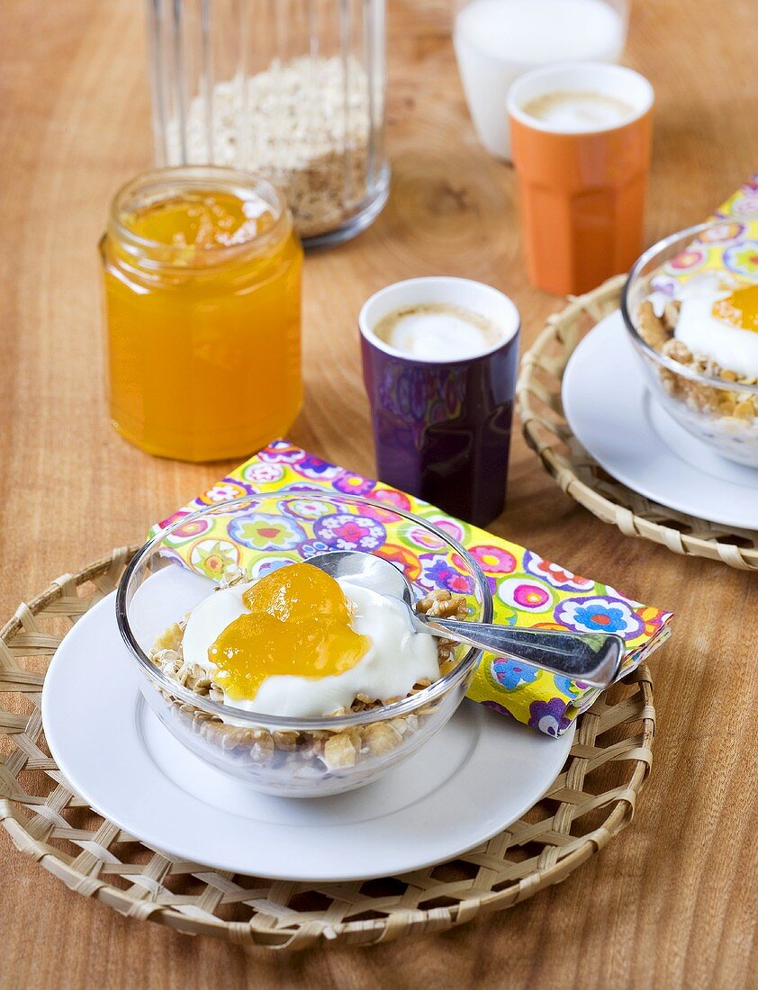 Muesli with yogurt and passion fruit and orange jelly