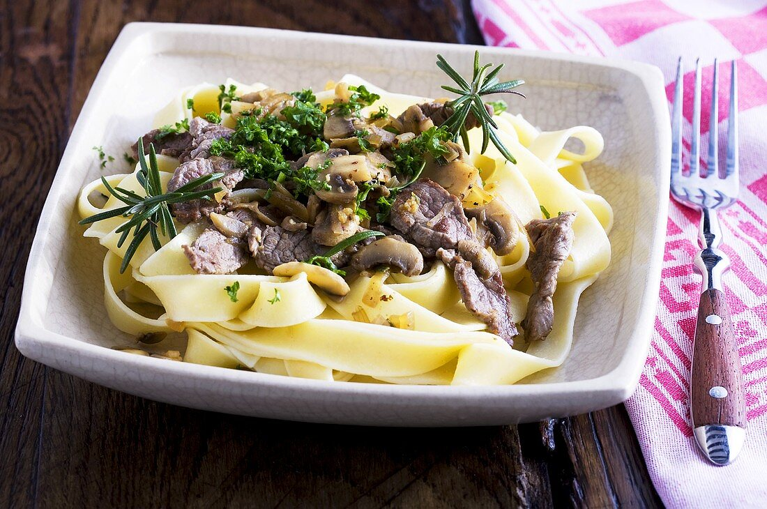 Tagliatelle with beef and mushrooms