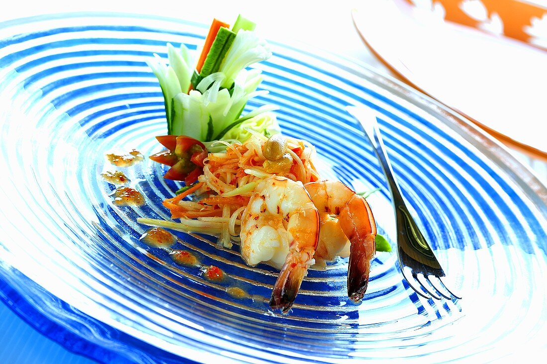 Papaya salad with prawns (Thailand)