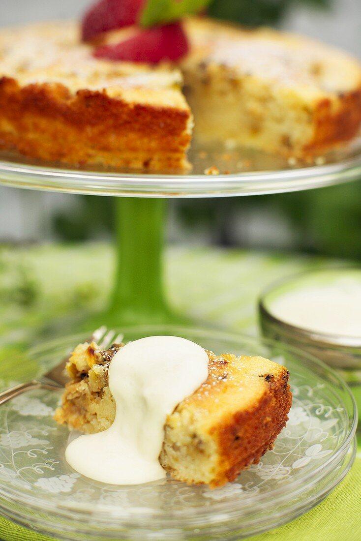 Apple cake with cream