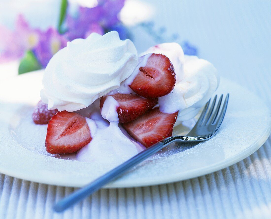Strawberry dessert with fat-free soft cheese & store-bought meringue