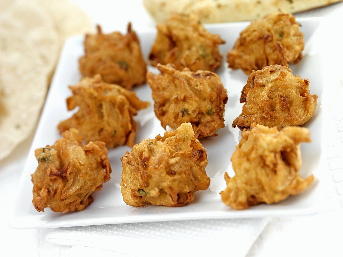 Onion bhajis (Onion fritters, India)