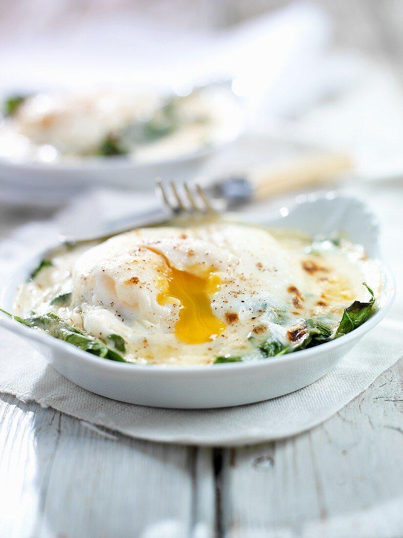 Uova alla fiorentina (Fried egg with spinach, Italy)
