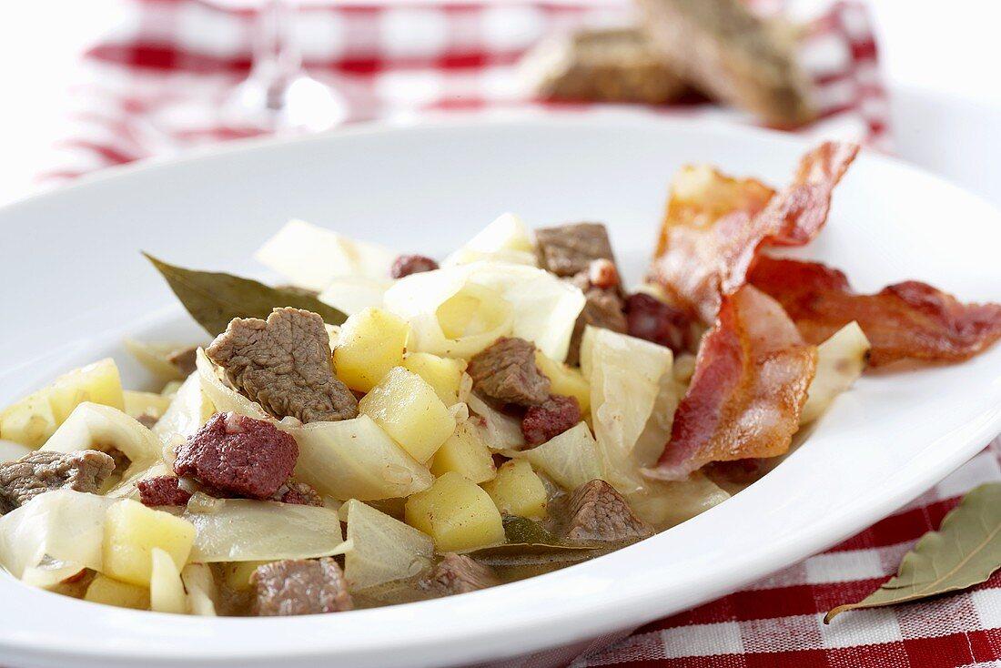 Schlodderkappes (White cabbage & potato stew, Ruhr district)