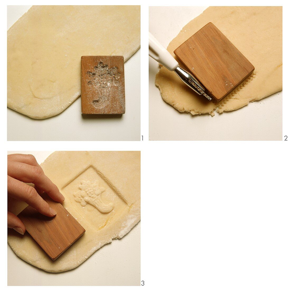 Baking with wooden moulds