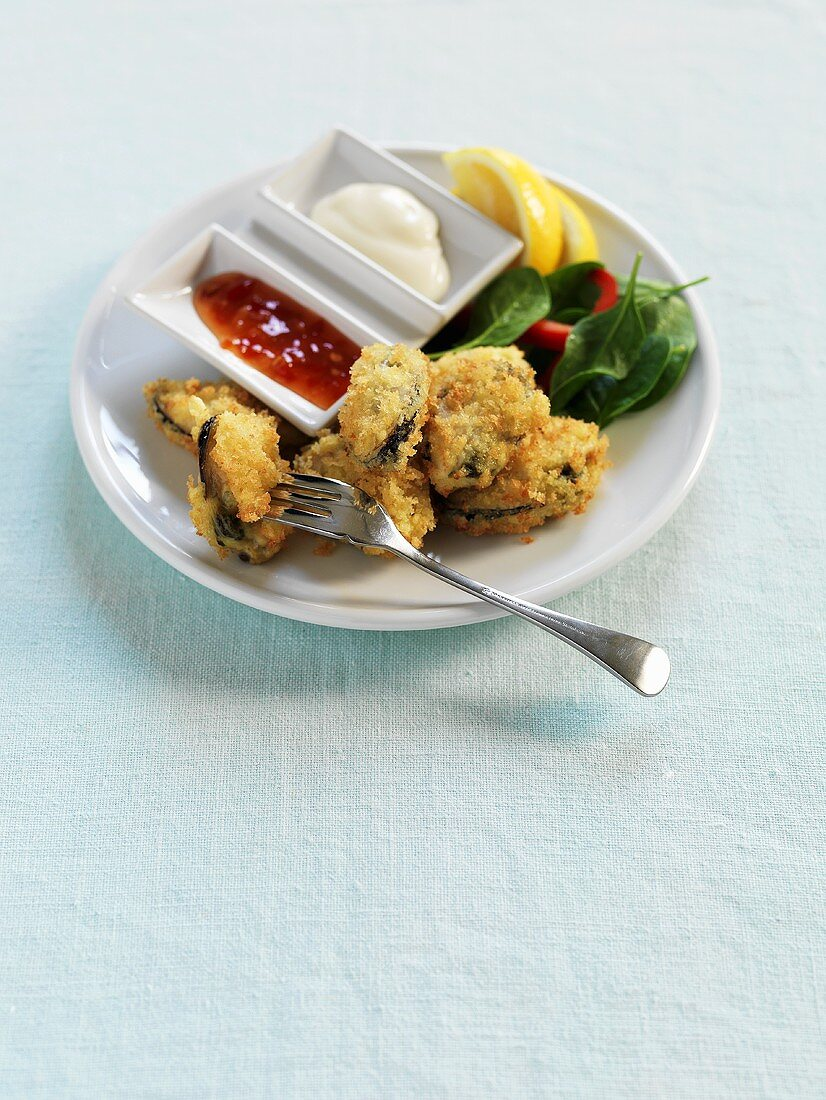 Deep-fried shellfish with two dips