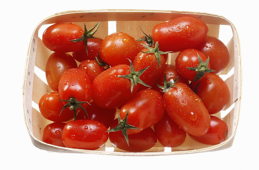 Plum tomatoes in a punnet