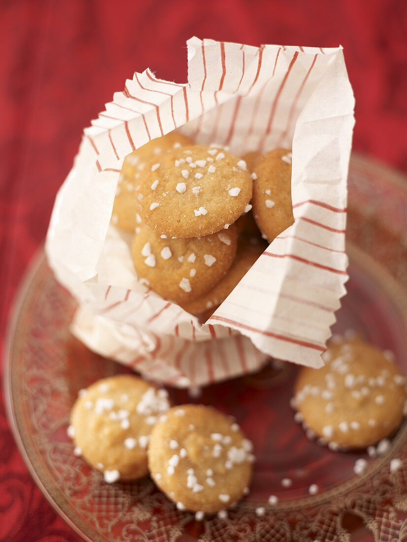 Amaretti in paper bag and on plate