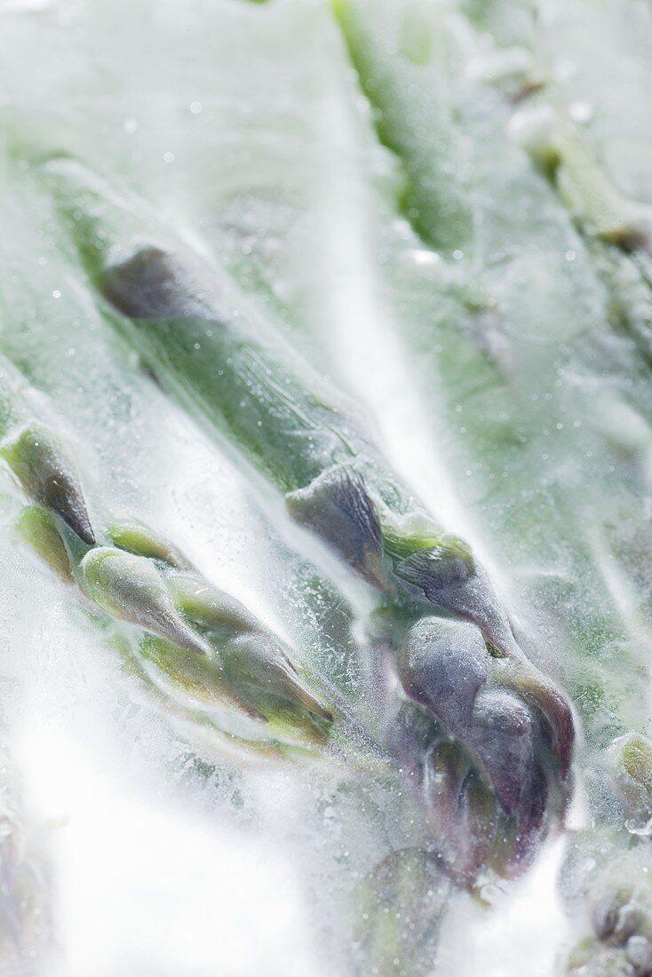 Frozen green asparagus (close-up)