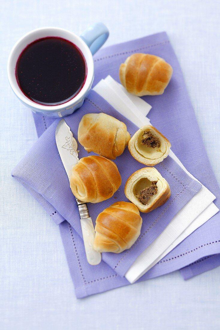 Paszteciki (yeast pastries with mince filling), borscht