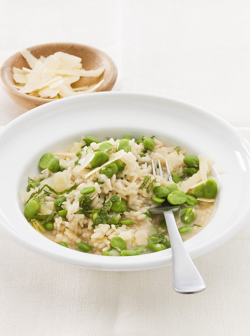 Risotto con le fave (Rice with broad beans and Parmesan)