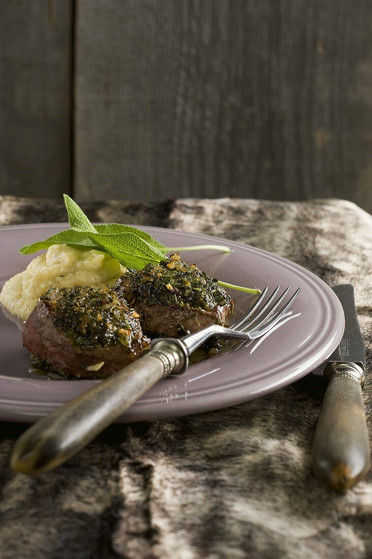Venison medallions with apple and chestnut puree (South Tyrol)