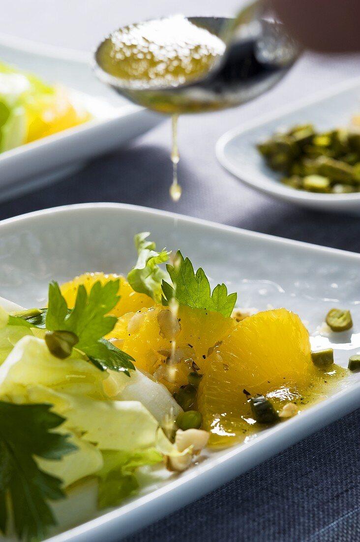 Insalata di indivia e arance (endive salad with oranges)