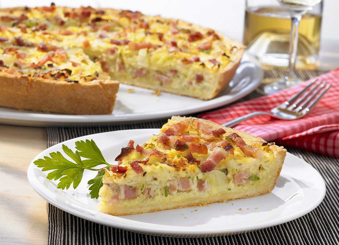 Cabbage quiche with bacon