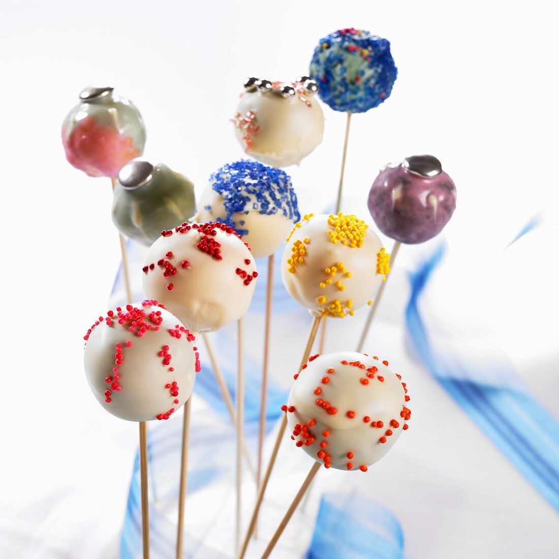Many different decorate cake pops