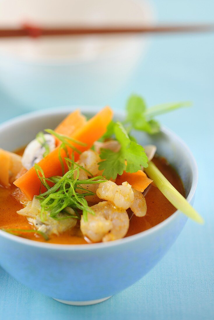 Prawn soup with vegetables and coconut milk (Thailand)