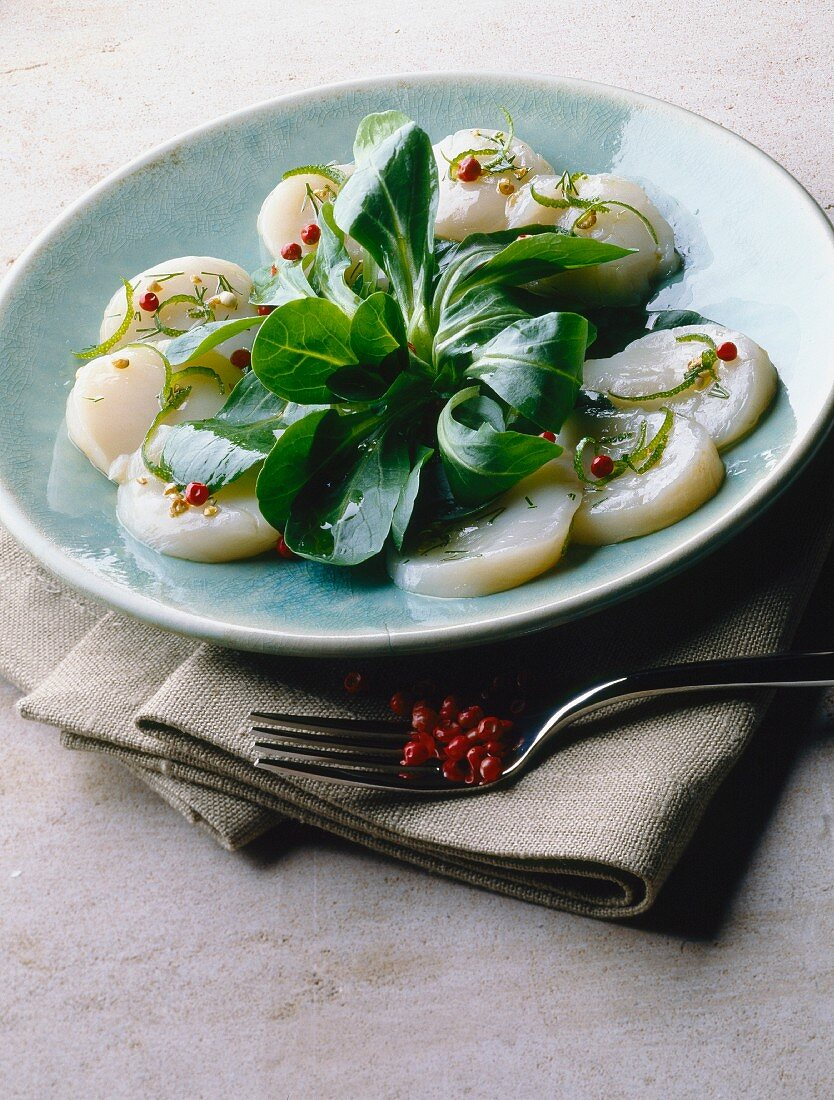 Watercress salad with scallops