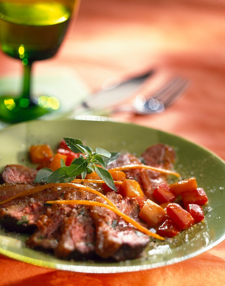 Fillets of duck breast with stewed pepper