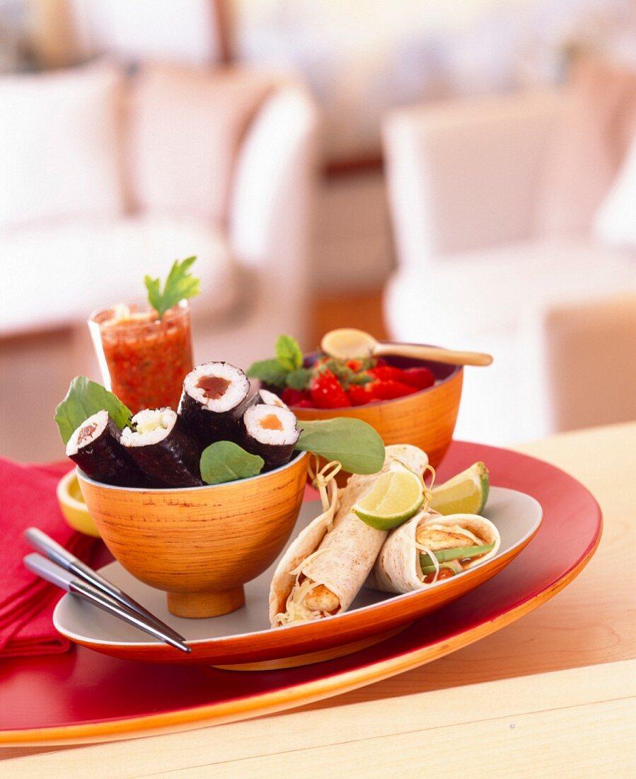 Gerichte aus aller Welt (Sushi, Wraps, Drink)