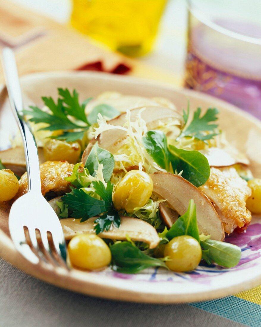 Chicken wing, grape and cèpe mushroom salad