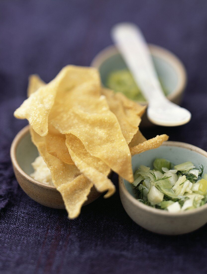 Cocktail crackers and dips