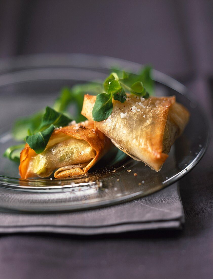 Maroilles and leek fondue filo pastry pies