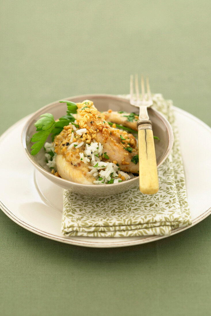 Sauteed chicken with peanuts