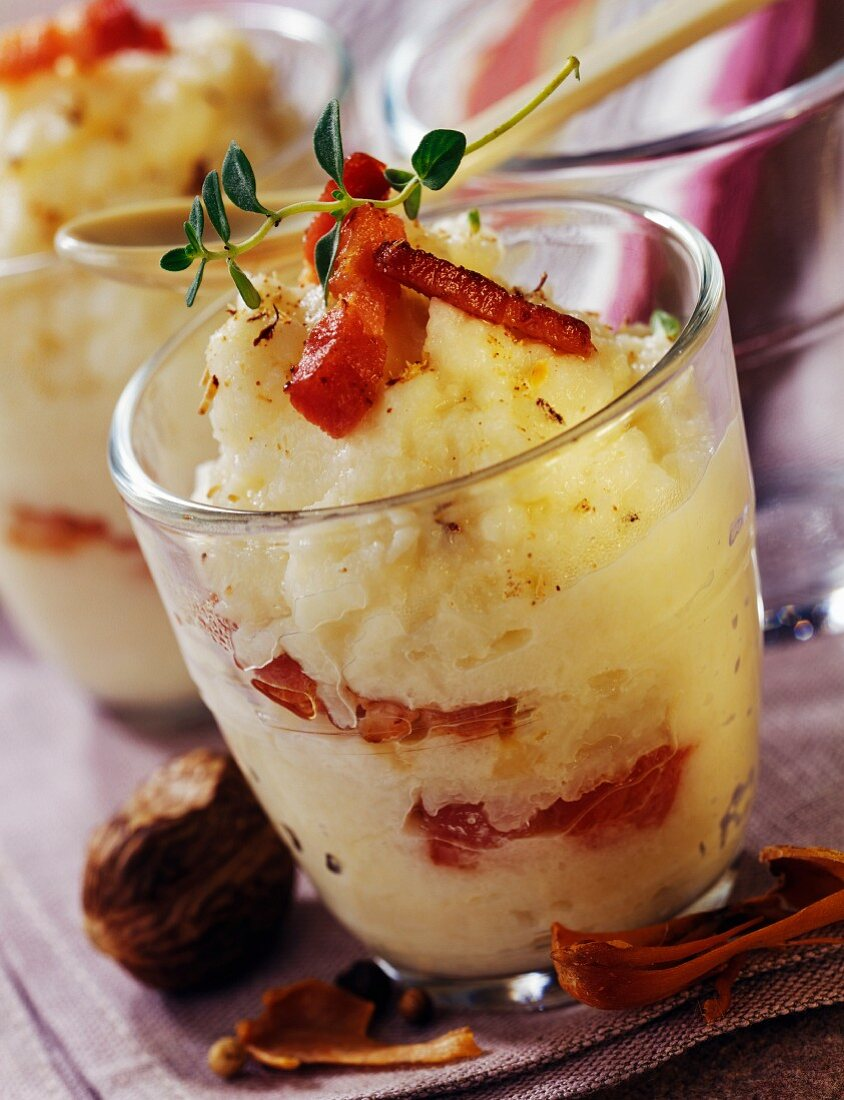 Mashed cauliflower with diced bacon