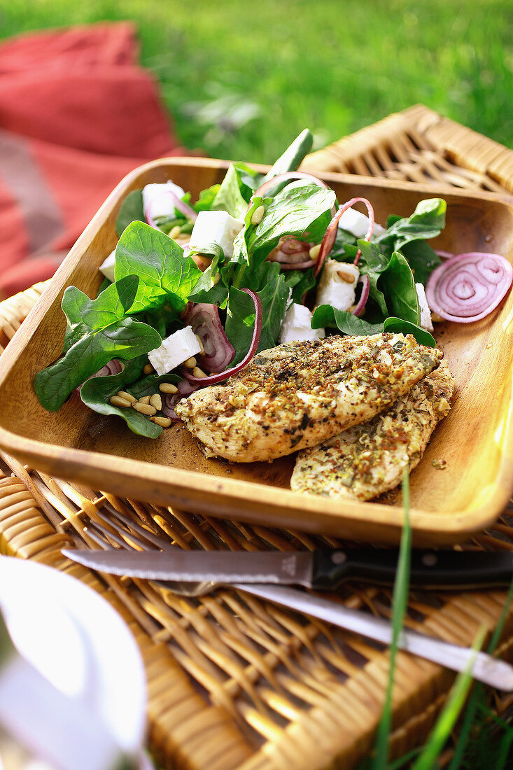 chicken and spinach spicy salad